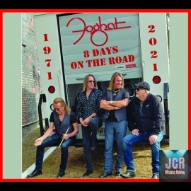 """8 DAYS ON THE ROAD"""" - DOUBLE CD +DVD"""