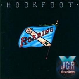 Roaring (+ 5 bonus tracks)